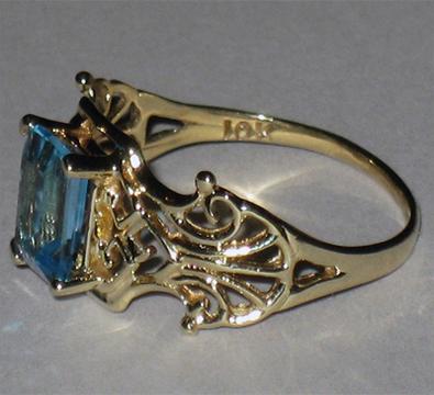 Кольцо с голубым топазом, старинное желтое золото 10 карат ... 12b0750da68